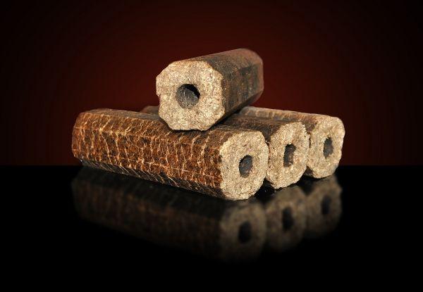 Holzbriketts Gluthalter Pini und Kay aus Hartholz, Stangen mit 8eckigem Querschnitt, Verkauf ab Lager oder mit bundesweiter Lieferung